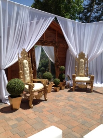 GOLD GOTHIC THRONE CHAIRS